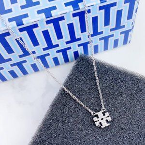 🍃Tory Burch Classic Diamond Logo Silver Necklace